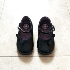 EUC Buster Brown Baby Girl Dress Shoes